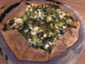 Glutenfri pai med spinat og feta