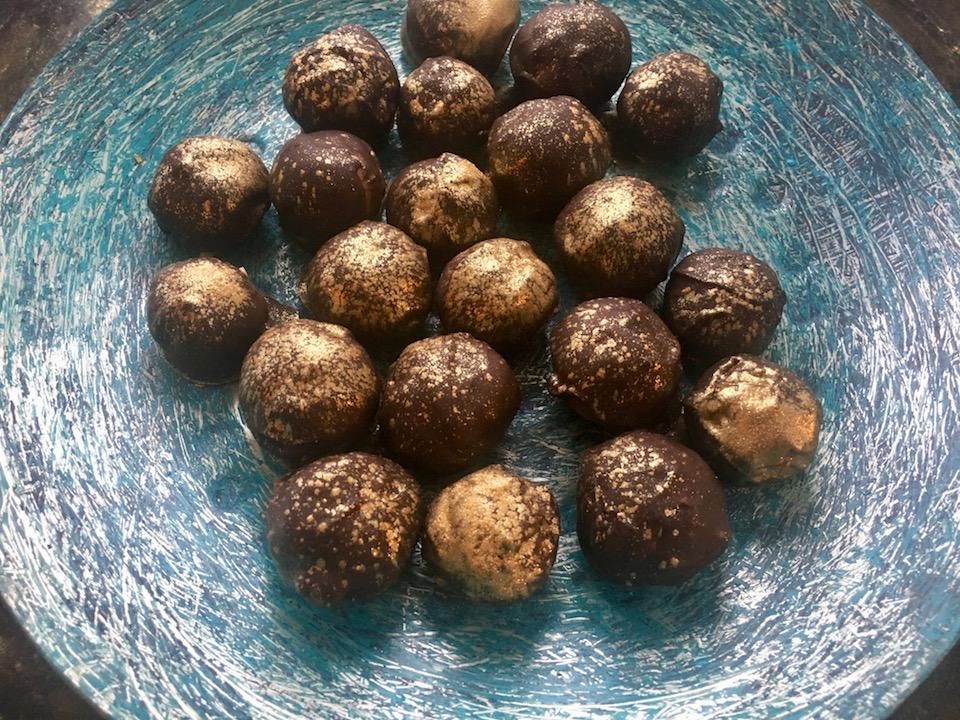 glutenfrie marsipankuler med rom, klementiner og kanel