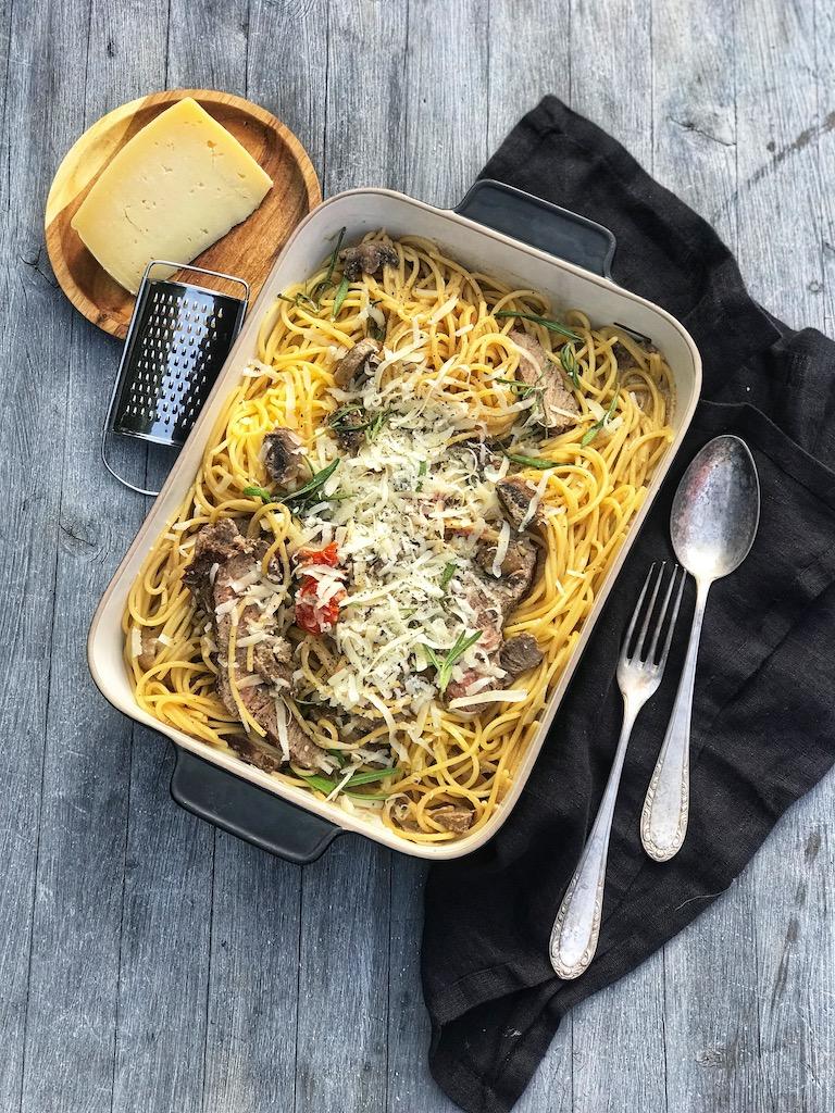 glutenfri pasta med oksekjøtt og fløte