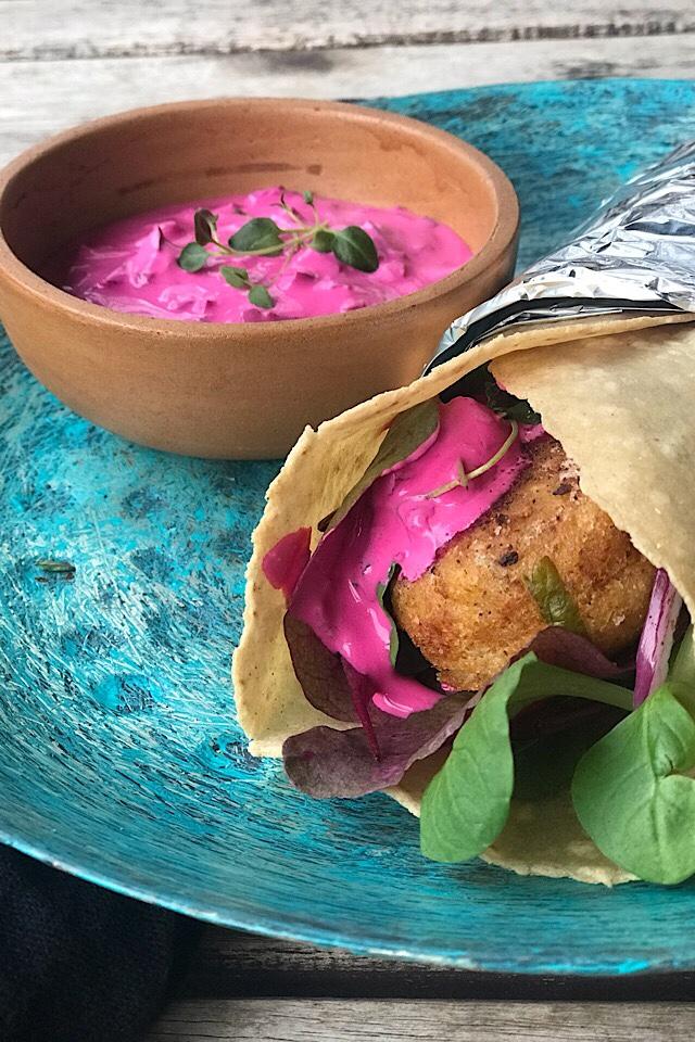 Tortillalefser med falaffel og rødhet tzatsiki. Samarbeid med Bfree