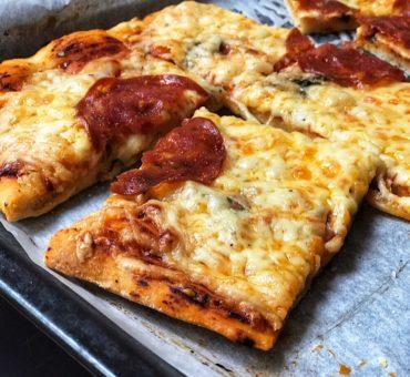 Pizza della Sevastianos