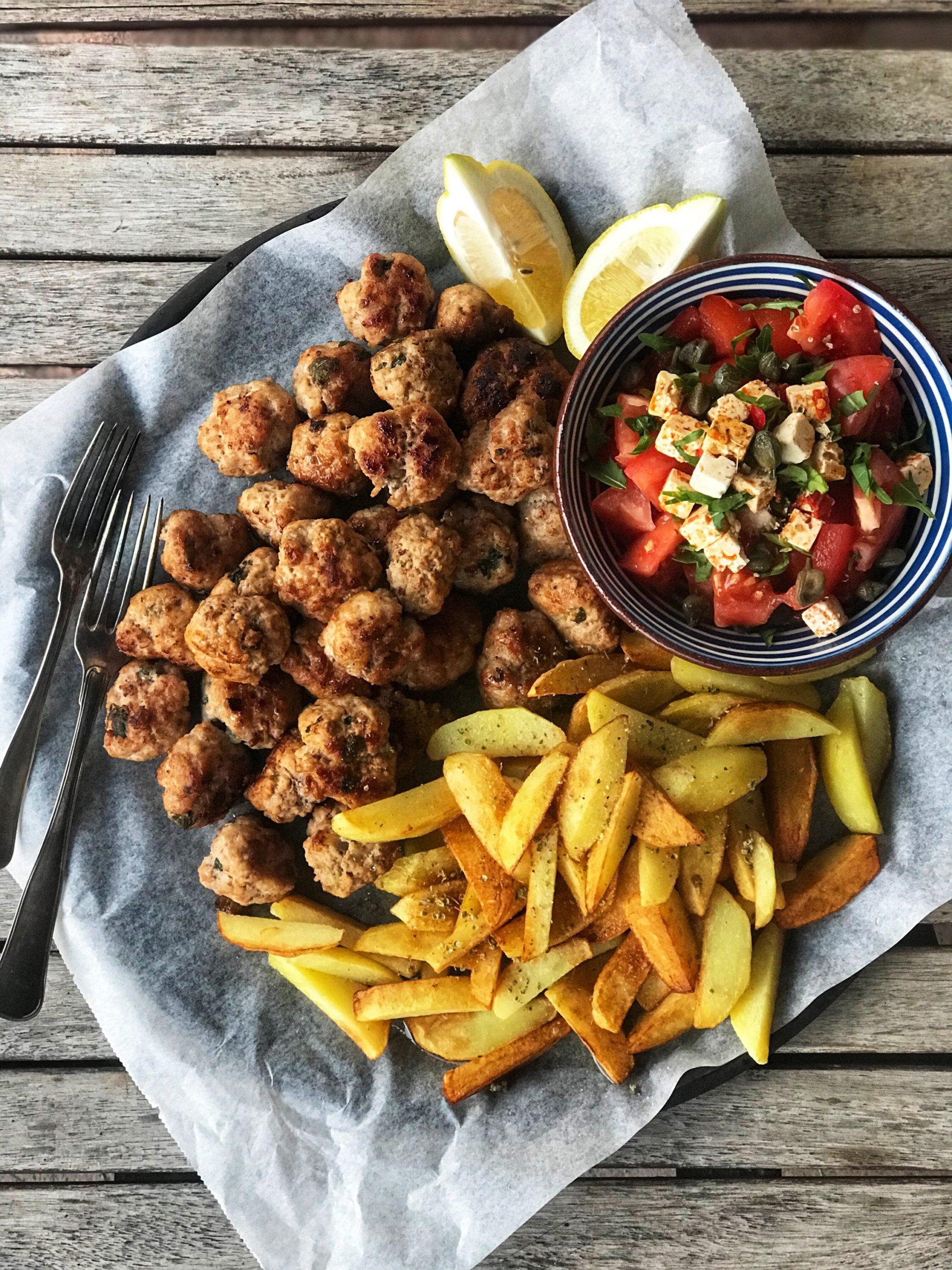 Greske kjøttboller og stekte poteter